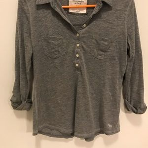 Grey Abercrombie 3 quarter sleeve shirt